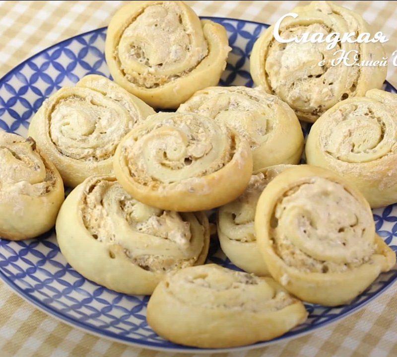 Печенье с безе и орехами