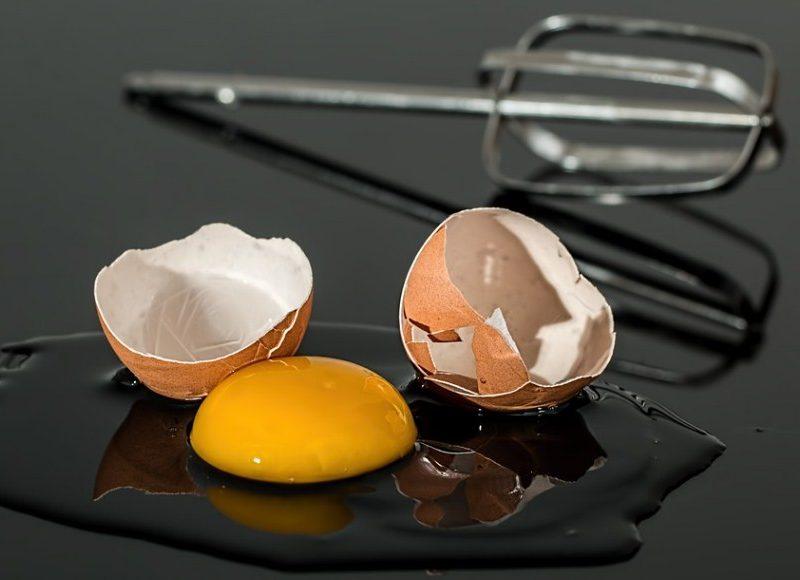 Взбивание яичных белков