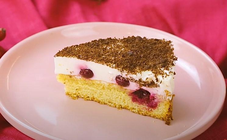 Торт с вишней под шоколадом
