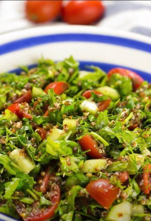Киноа салат с зеленью